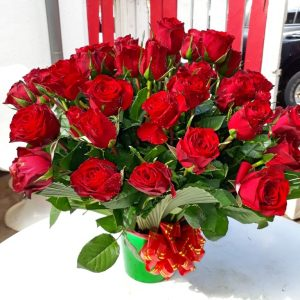 Sweet love flower arrangement for sale in Nairobi_Ceekay 1